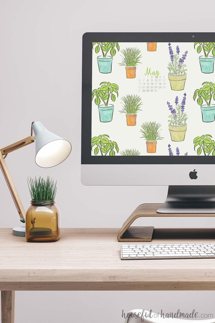 If you love gardening, you are going to love these free digital backgrounds for May. This fun hand-drawn herb pattern is perfect for decorating your smartphone and computer screen for spring. Download with or without a calendar today! Housefulofhandmade.com