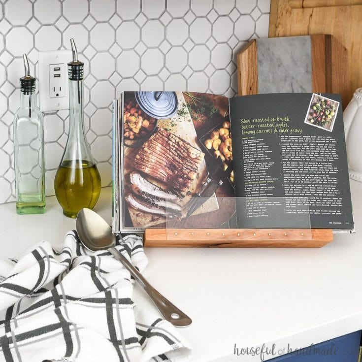 Easy to Build DIY Cookbook Stand