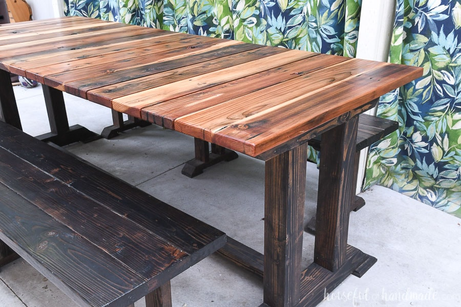 Finished picnic table from the wood picnic table plans.