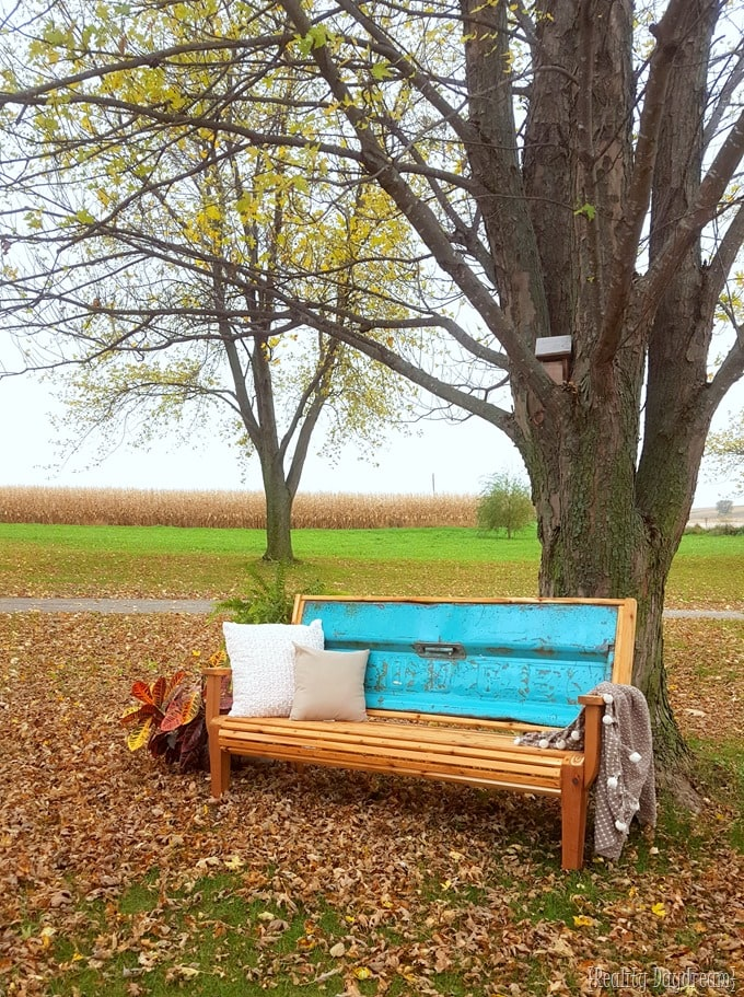 Grandpa's Chippy Tailgate Bench Tutorial