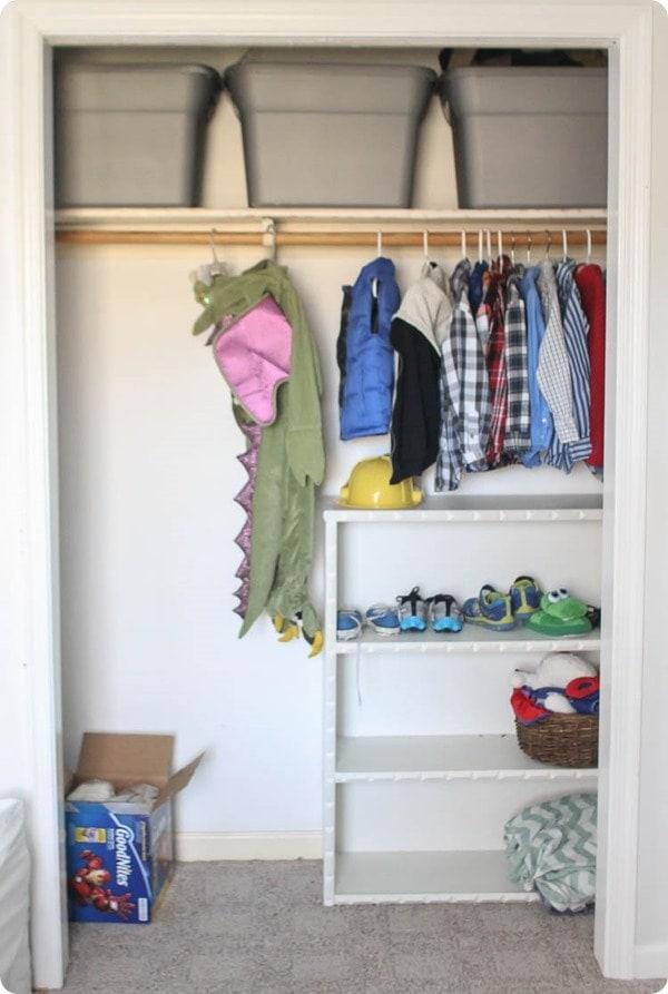 How to build cheap and easy DIY closet shelves