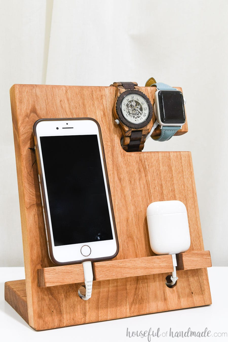 Close up of the nightstand valet docking station.