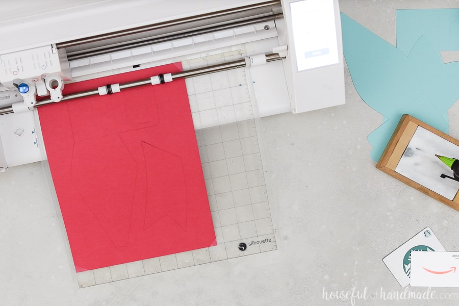 Cutting out the gift card holder bow template with a Silhouette Cameo 3.