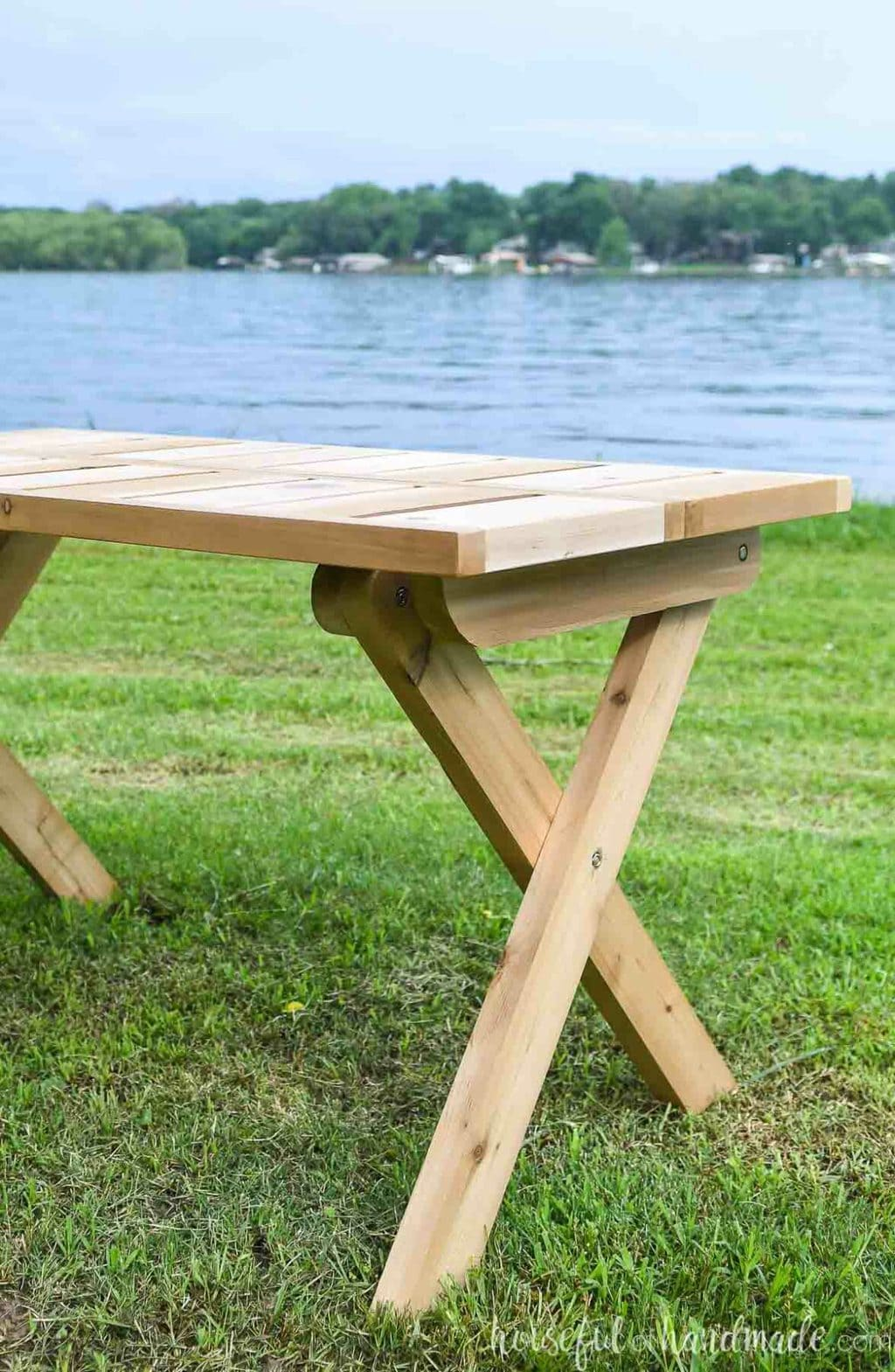 Close up view of the folding picnic table legs.